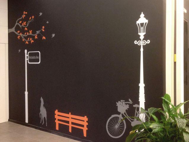 מדבקת קיר מעוצבת לחברת Thomson Reuters