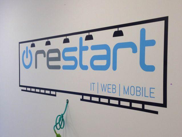 עיצוב בהתאמה אישית לחברת restart